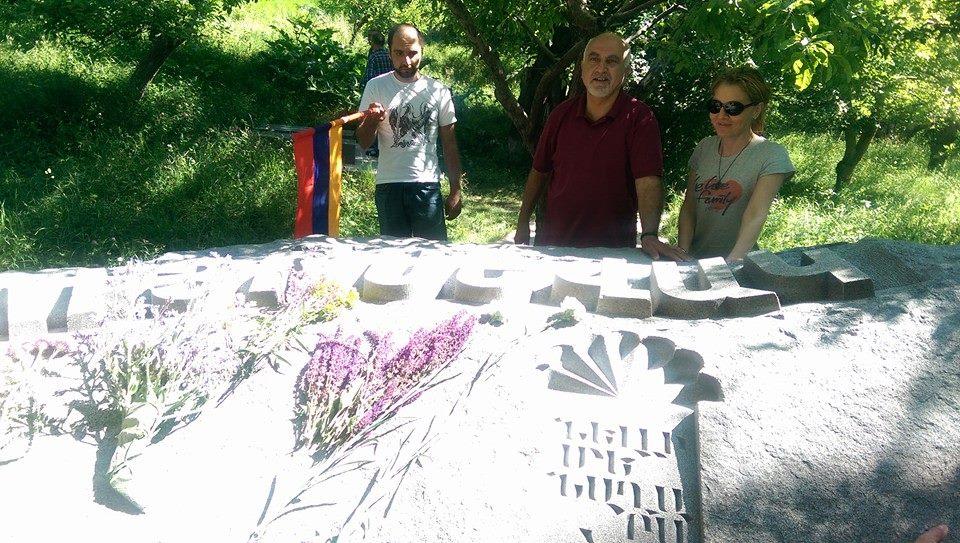 Աւանդական այցելութիւն Սեւակի եւ Նժդէհի շիրիմներին (Լուսանկարներ)