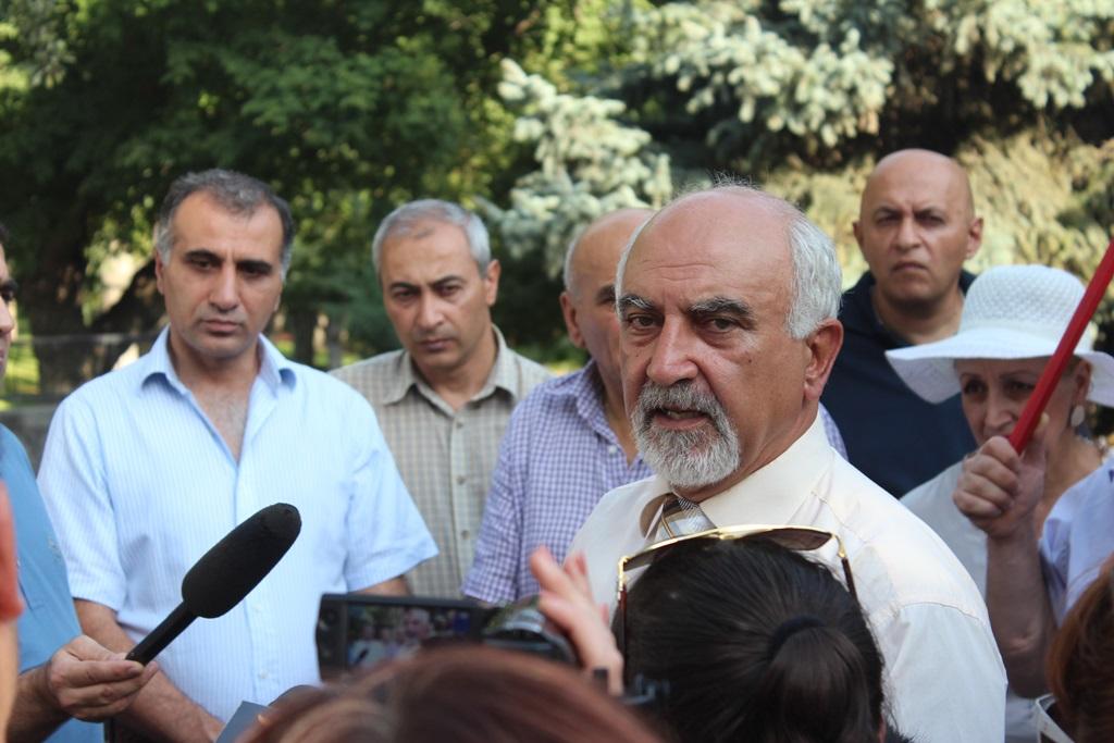 Հայրիկյանը պահանջում է Սերժ Սարգսյանի հրաժարականը, այլապես հացադուլ է սկսում (Տեսանիւթ)