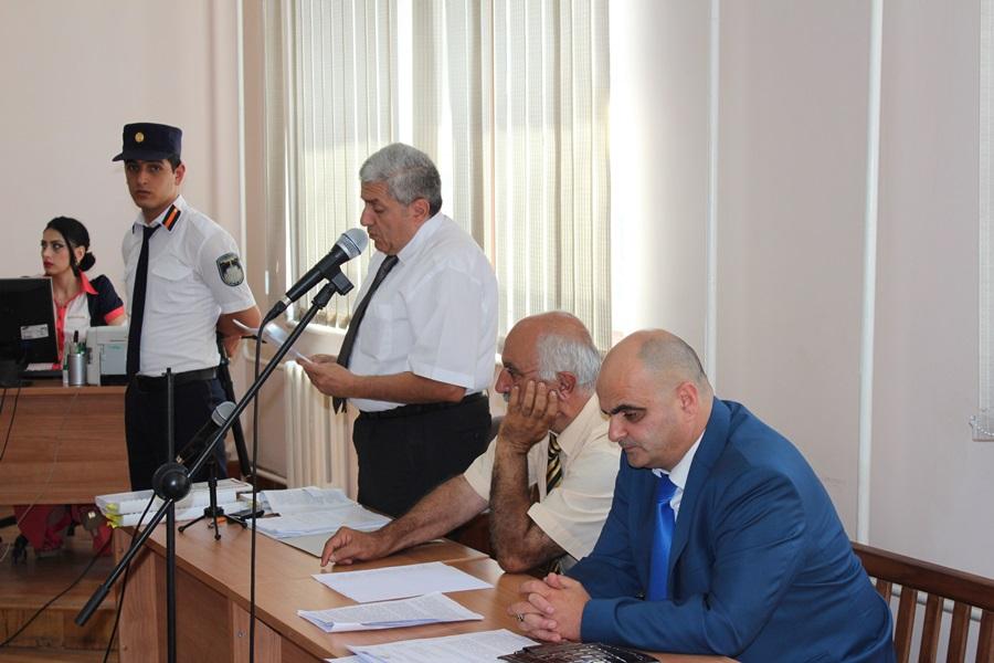 Պարոյր Հայրիկեանը դիմում է դատարանին